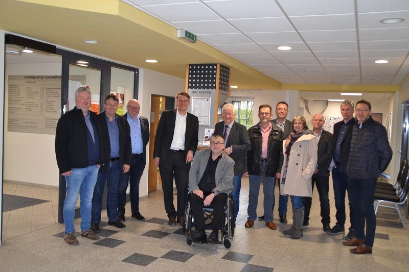 Landratskandidat M.-A. Burgdorf zu Gast in der Samtgemeinde
