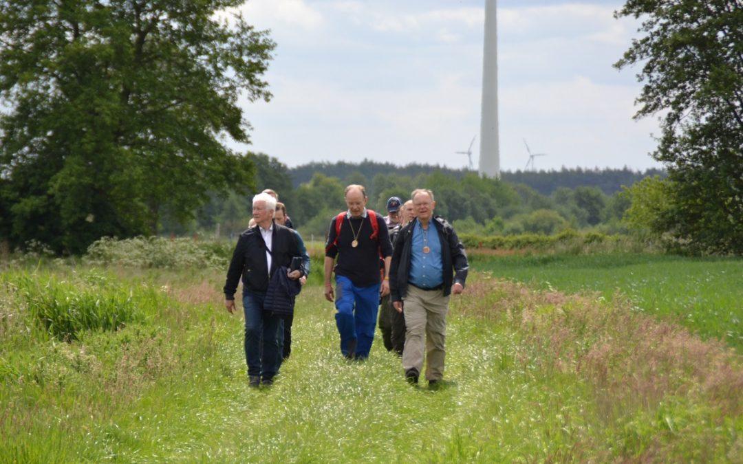 Bischof und Ministerpräsident auf dem Hümmlinger-Pilgerweg