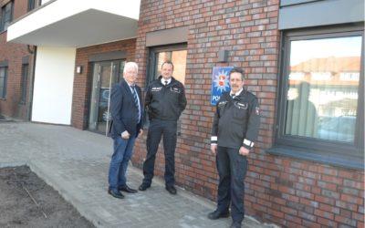 Samtgemeindebürgermeister begrüßt zum Einzug die Polizei im Rathaus Esterwegen